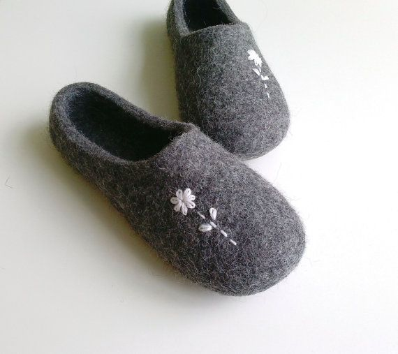 Photo of Felted wool slippers / house shoes – With little flowers – grey