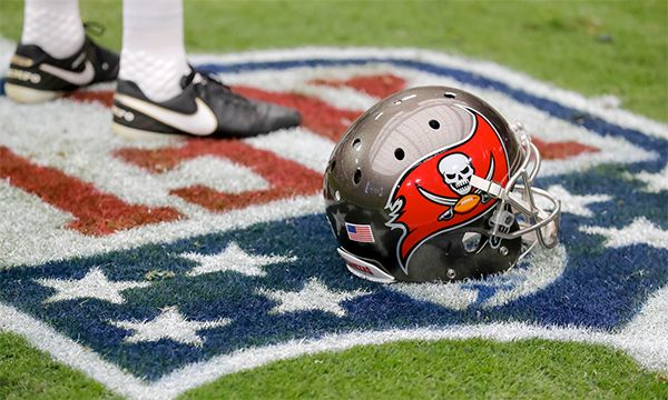 Viewing Guide: Buccaneers Mini-Bye https://t.co/8fJe0HmiXH  The Tampa Bay Buccaneers are enjoying a light weeken https://t.co/w2NEislCFO October 08 2017 at 01:12PM http://twitter.com/luzuwiyic/status/917014784624775171