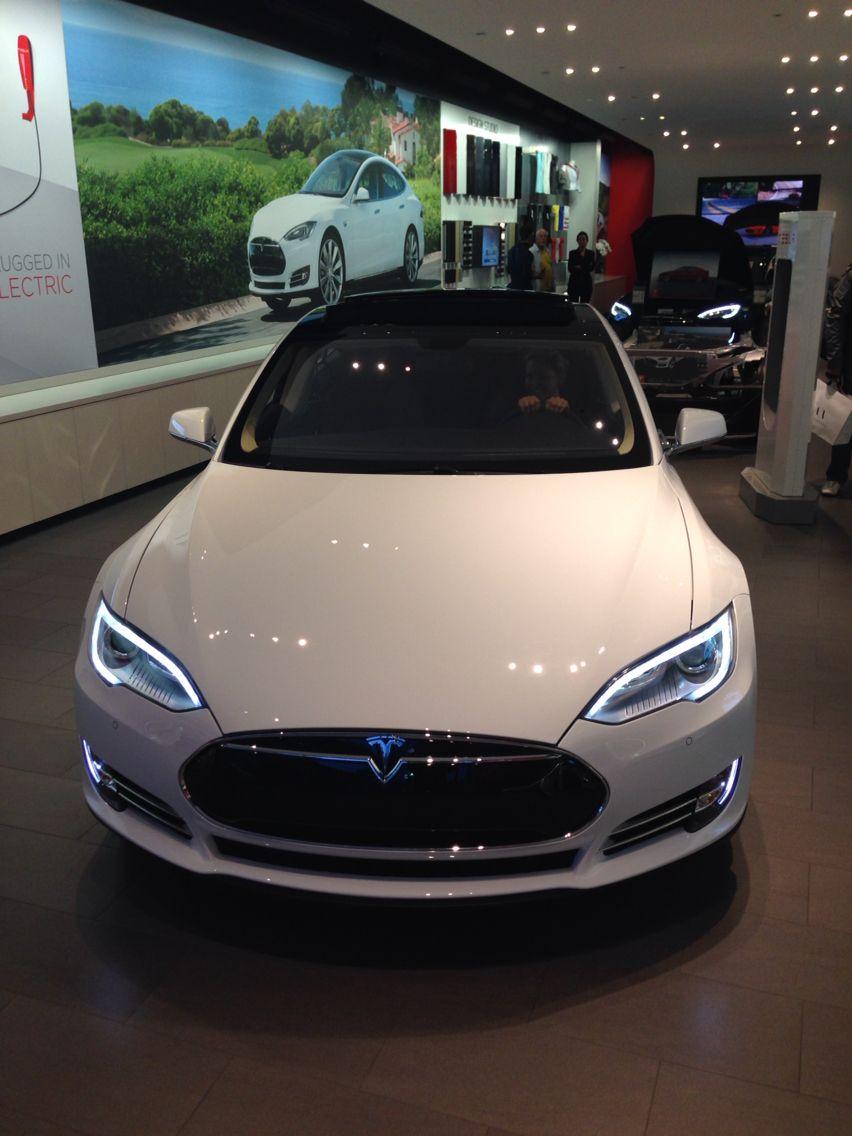 Tesla dealership in Los Angeles CA tesla BoulderInn