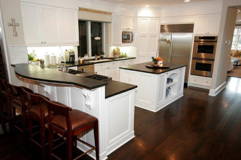 Begonia Park In Corona Del Mar Hardwood Floors In Kitchen