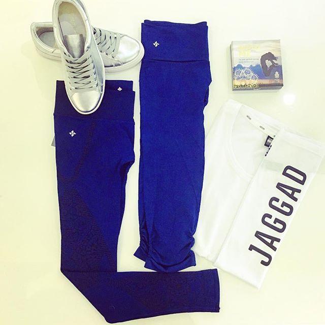 Navy is my new black💙. Shop the look today link in bio #moveeveryday #moveathletica #navynewblack #activewear #ootd #teamjaggad #nuxusa #deptoffinery #gymoutfit #yogapants #capri #divine #flatlay #flatlays #flatlayapp www.theflatlay.com