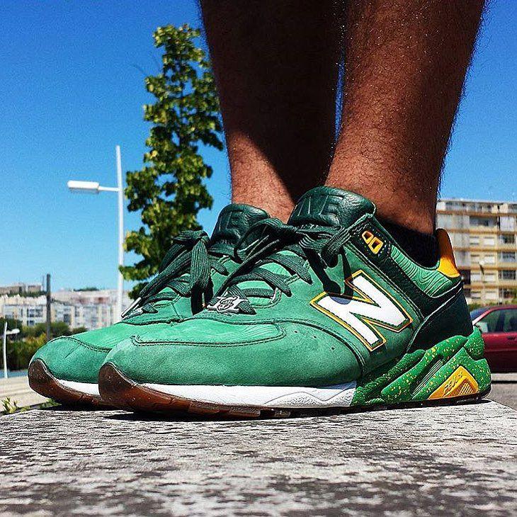 zapatos genuinos muy agradable disfruta el precio más bajo Burn Rubber x New Balance 572 (With images) | Vintage sneakers ...