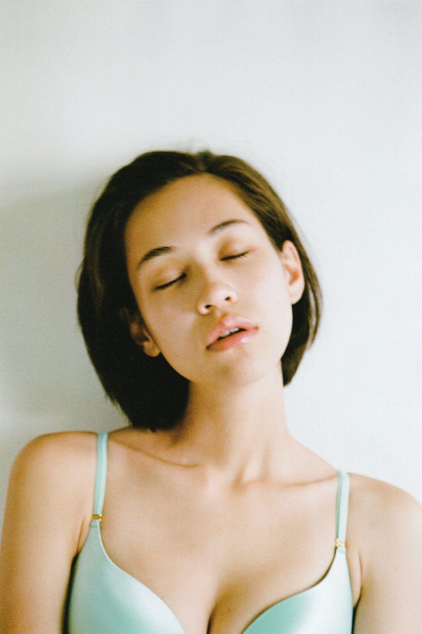 Cleavage Kiko Mizuhara nudes (86 photos), Pussy, Sideboobs, Boobs, braless 2006