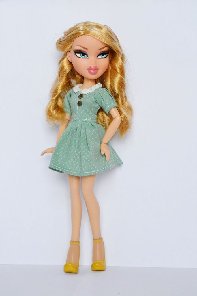 Pin By Nour Anous On Bratz Brat Doll Fashion Dolls Doll Makeup