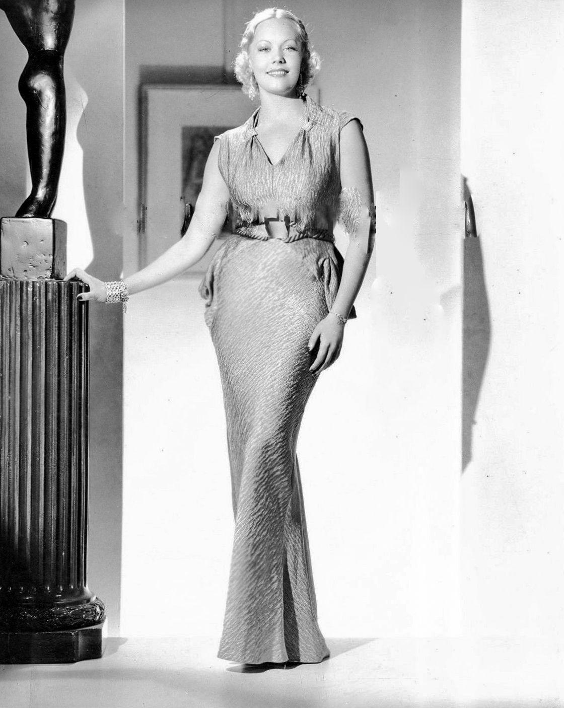 Annabelle Huggins (b. 1943),Swaran Lata XXX image Kimberley Simms,Miria Di San Servolo (1923?991)
