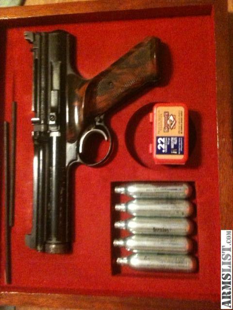 Fotos For Sale Vintage Crosman 600 22 Cal Air Pistol