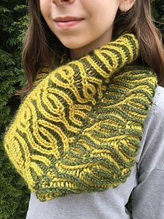 67822aee83e Vakker Brioche Cowl pattern by Nona Davenport