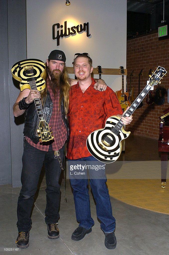 Zakk Wylde S Long Lost Grail Guitar Was Returned To Him By Jerry Wiesinger Who Bought The Guitar In A Houston Pawnshop L Za Guitar Gibson Guitar Zakk Wylde