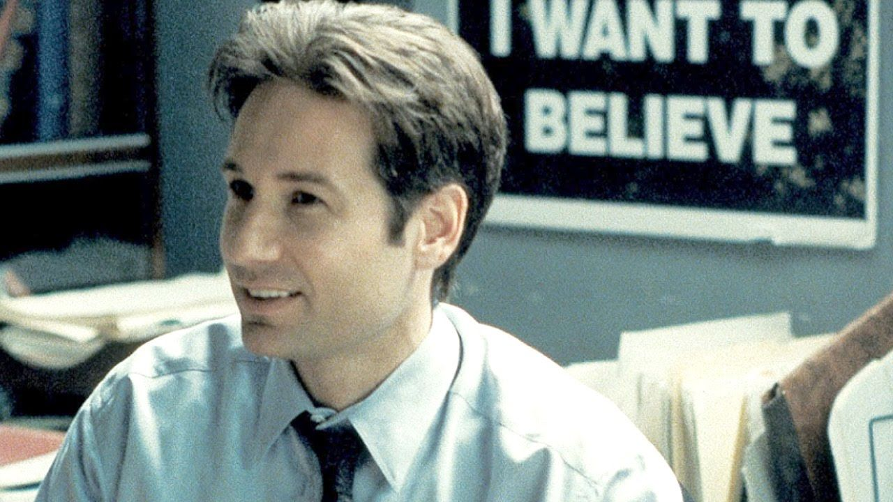 Top 10 Memorable Television Characters Of The 1990s X Files Mulder Fox Mulder
