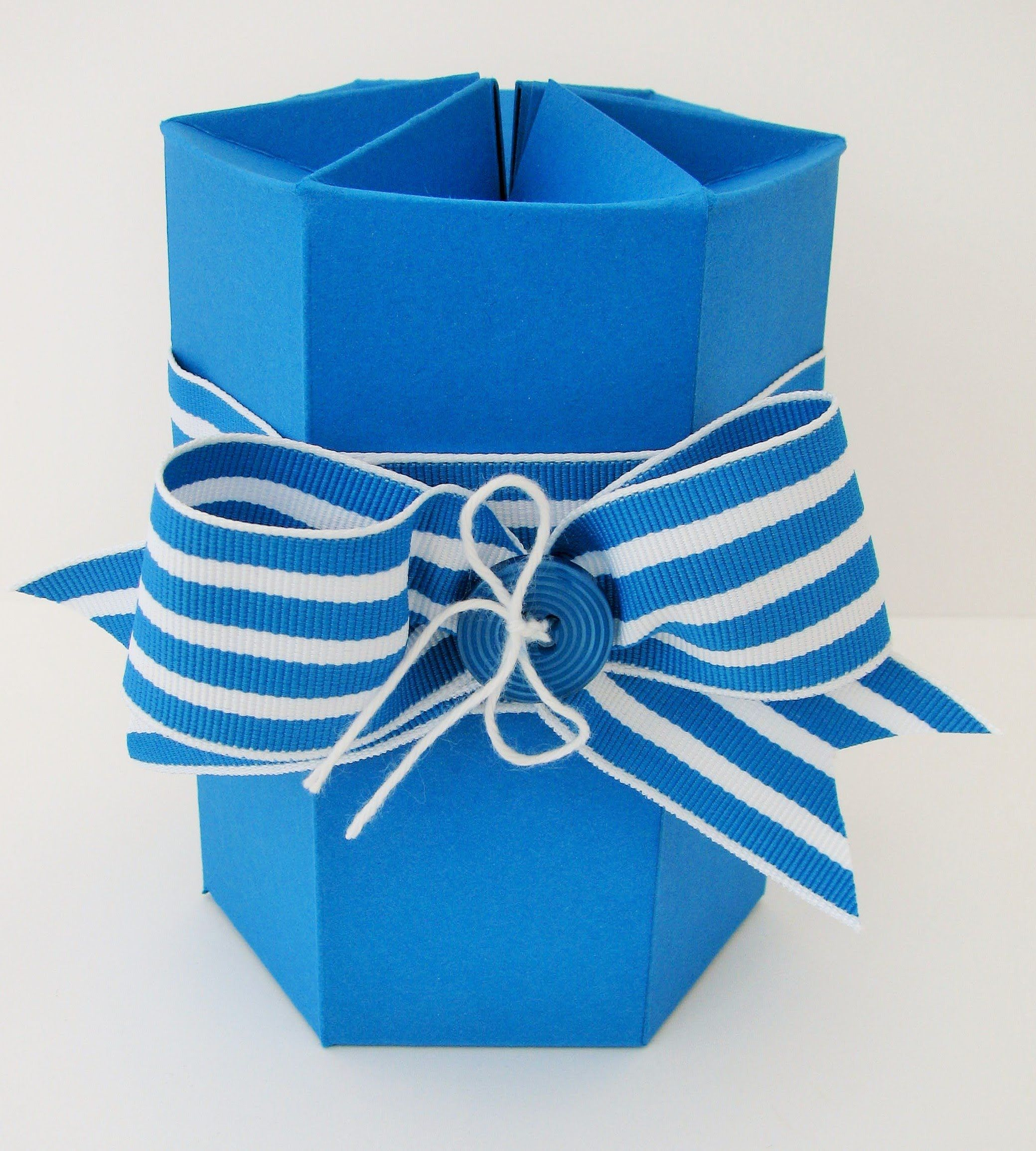 Hexagonal Self Closing Box (Stampin Up) | Boxes and Gifts ...