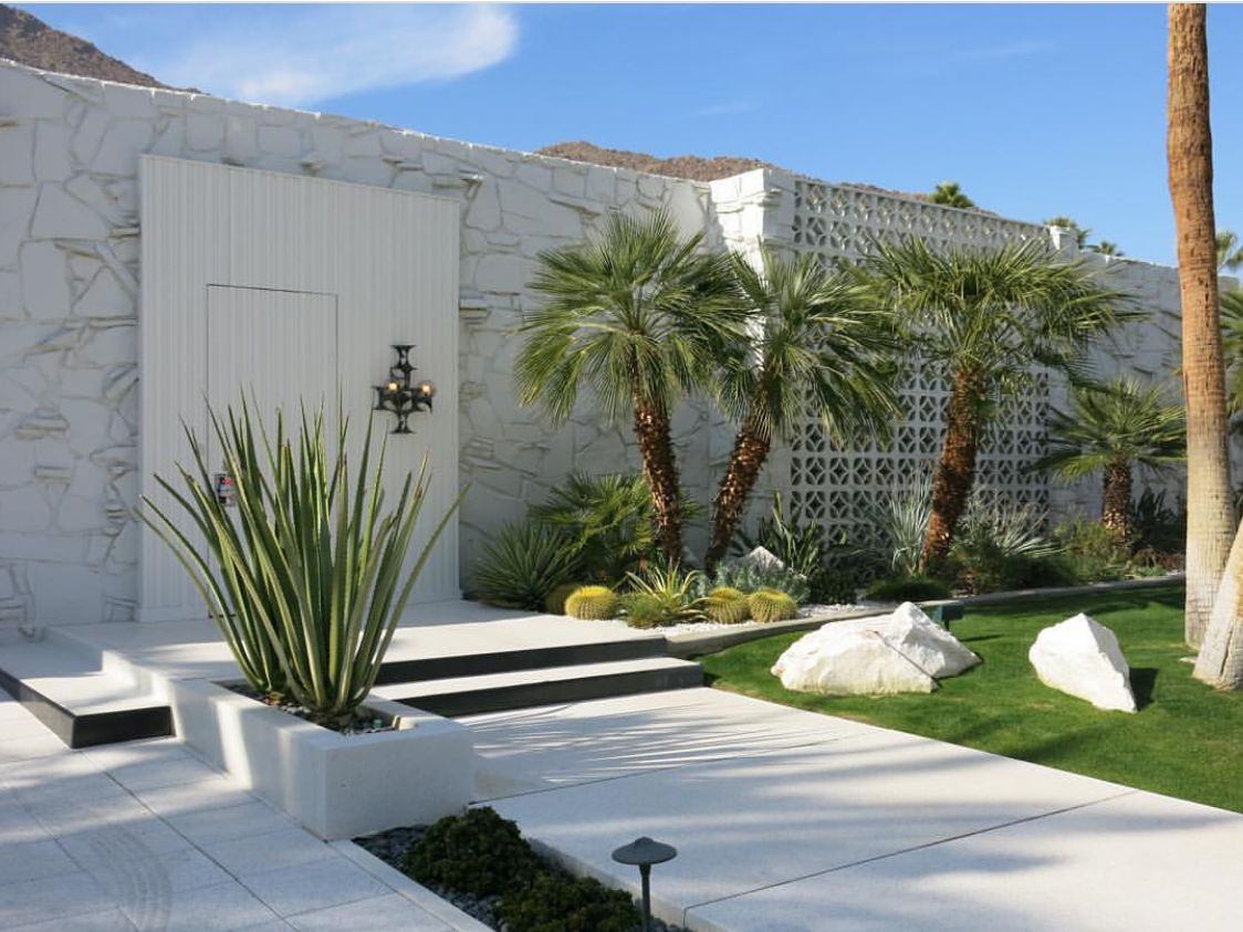modern palm springs gardens Palm Springs Clean Mid Century Modern Exterior | Mid