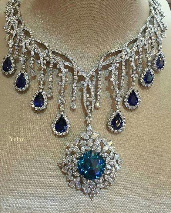 KOMO Ladies Fashion Pendant Necklace Cute Pendant Beautiful Exquisite Necklace