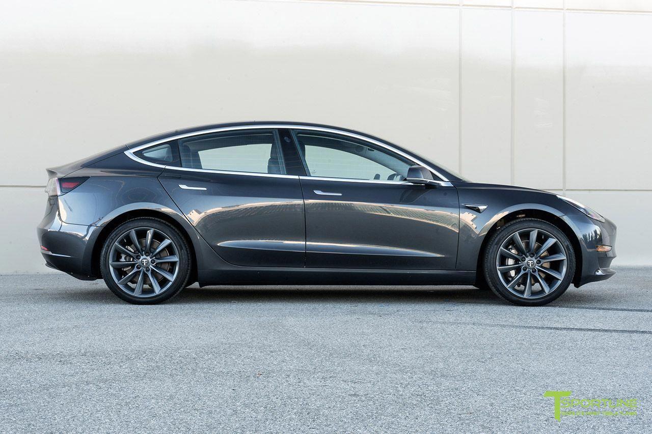 Midnight Silver Metallic Tesla Model 3 with 19 inch ...
