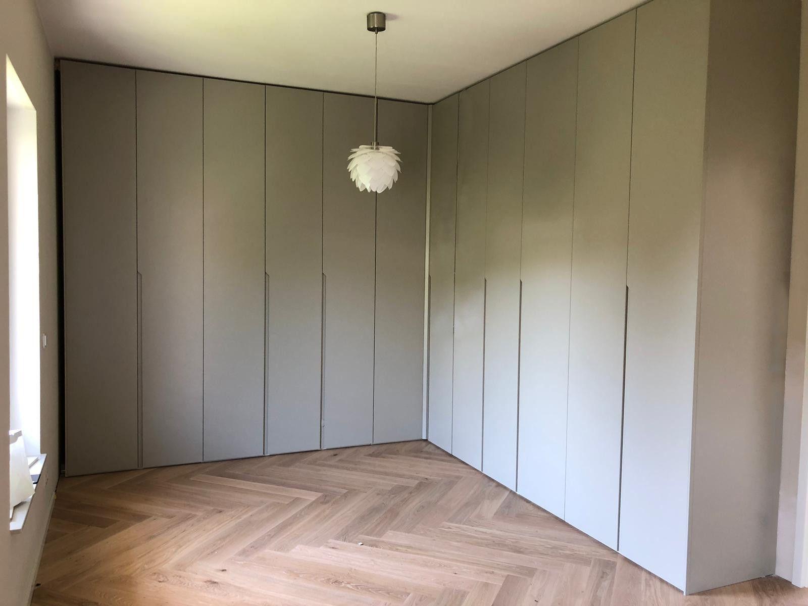 Idaw Schrank Nach Mass Einbauschranke Und Design Kommoden Einbauschrank Garderoben Eingangsbereich Schrank