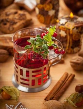 Vinho quente soco com canela e cranberry photo