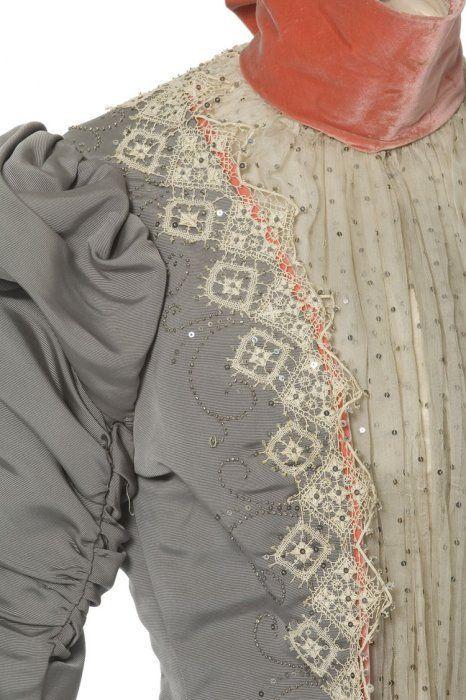 Robe en deux parties (détail), Maison Félix, Paris, vers 1897  Ottoman, mousseline, dentelle mécanique, broderie de perles d'acier