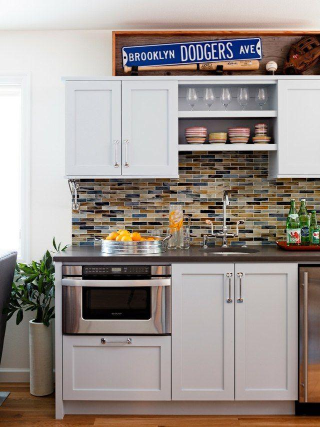 Küchenrückwand Mosaik Spiegel Weiße Küchenschränke Blau