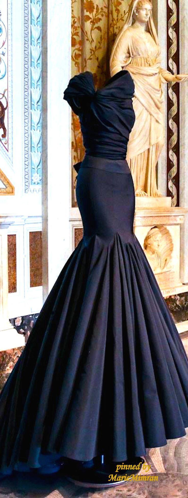 Azzedine Alaia Couture. I'm dying inside- it's so perfect. #wedding #weddingdress