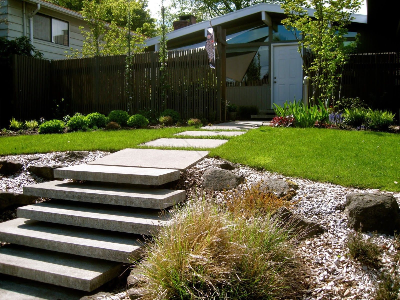 Best Bonney Lassie A Visit With Emily Mcm Landscaping Ideas Pinterest Outdoor Stairs Front 640 x 480