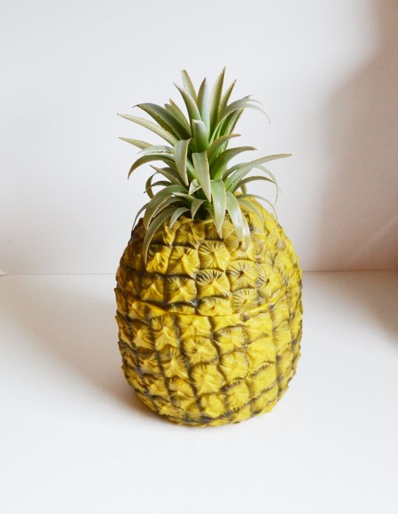 seau glace seau glace ananas en plastique par judysjunktion pineapple pinterest seaux. Black Bedroom Furniture Sets. Home Design Ideas