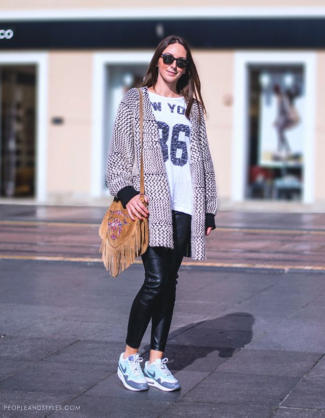 People Styles Fashion Style And What To Wear Now Street Chic Sneakers To Sneak Into Fall