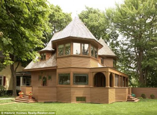 One of Frank Lloyd Wright\'s \'bootleg\' houses on the market for $1.4 ...