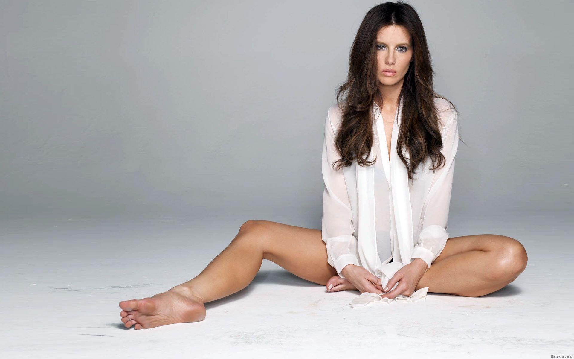 Feet Olivia Frischer nude (96 foto and video), Ass, Hot, Selfie, legs 2015