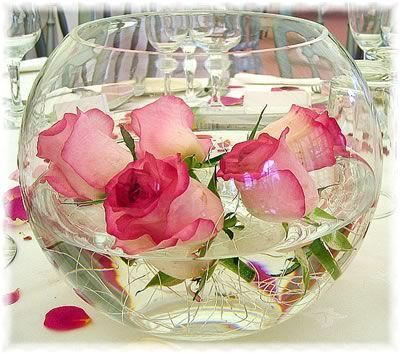Water Bowl Decoration Bubble Bowl Centrepiece With Rose Heads Floating In The Water