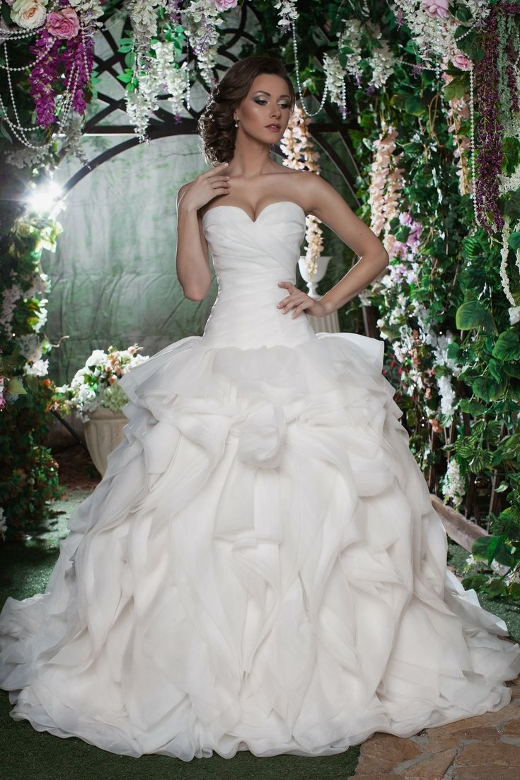 The top wedding dress selection searching for the modern bridal