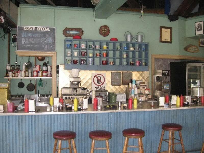 Gilmore Girls Gilmore Girls Kitchen Gilmore Girls Lukes Diner