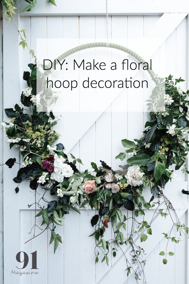 I love the simplicity of the hoop wreath