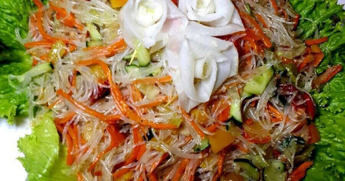 салат фунчоза с грибами и овощами
