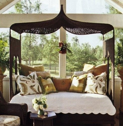 West Indies daybed