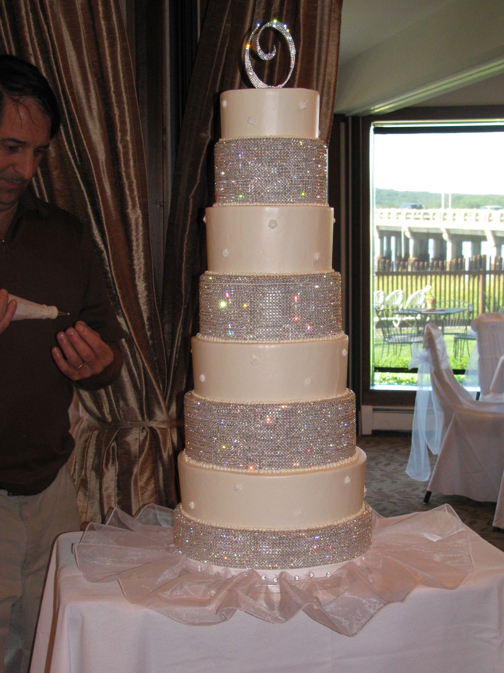 Add Bling To Youre Wedding Cake We Rent The Spacers Of Rhinestones