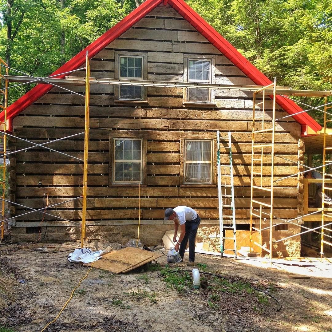 2 Otmetok Nravitsya 1 Kommentariev Old Kentucky Logs Oldkentuckylogs V Instagram We Have Several Different Stains Log Siding House Styles Barn Garage