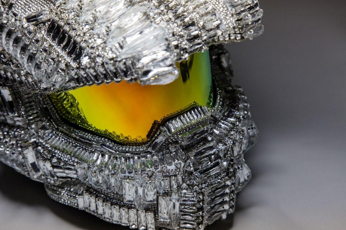 Taiwan Halo 5 Launch, Swarovski Master Chief Helmet