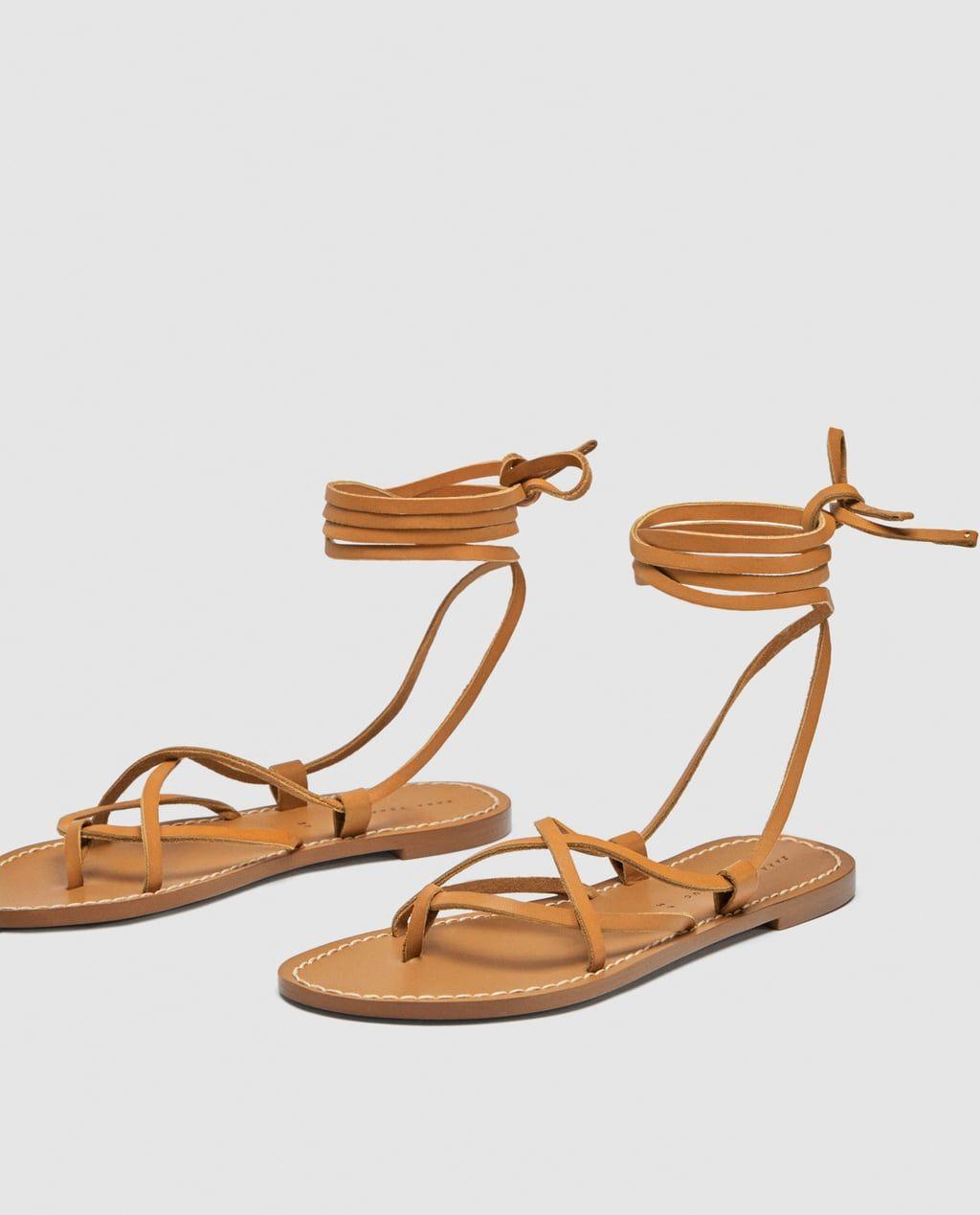 rabais de premier ordre factory convient aux hommes/femmes Image 4 de SANDALES PLATES À LACETS EN CUIR de Zara ...