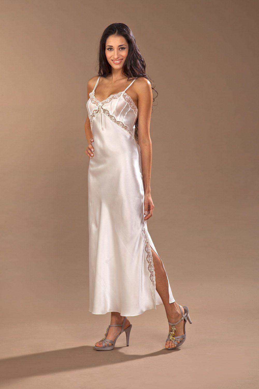 comprare popolare 29ec5 cdc9d Pin su LONG Nightgown