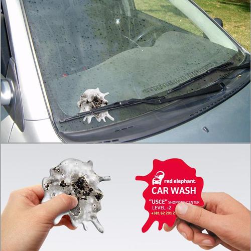 """Guerilla Marketing Idee machte das Unternehmen red elephant auf seine Auto-Wasch-Dienstleistungen aufmerksam! Auf kleine Flyern wurde """"Vogelkacke"""" gedruckt"""