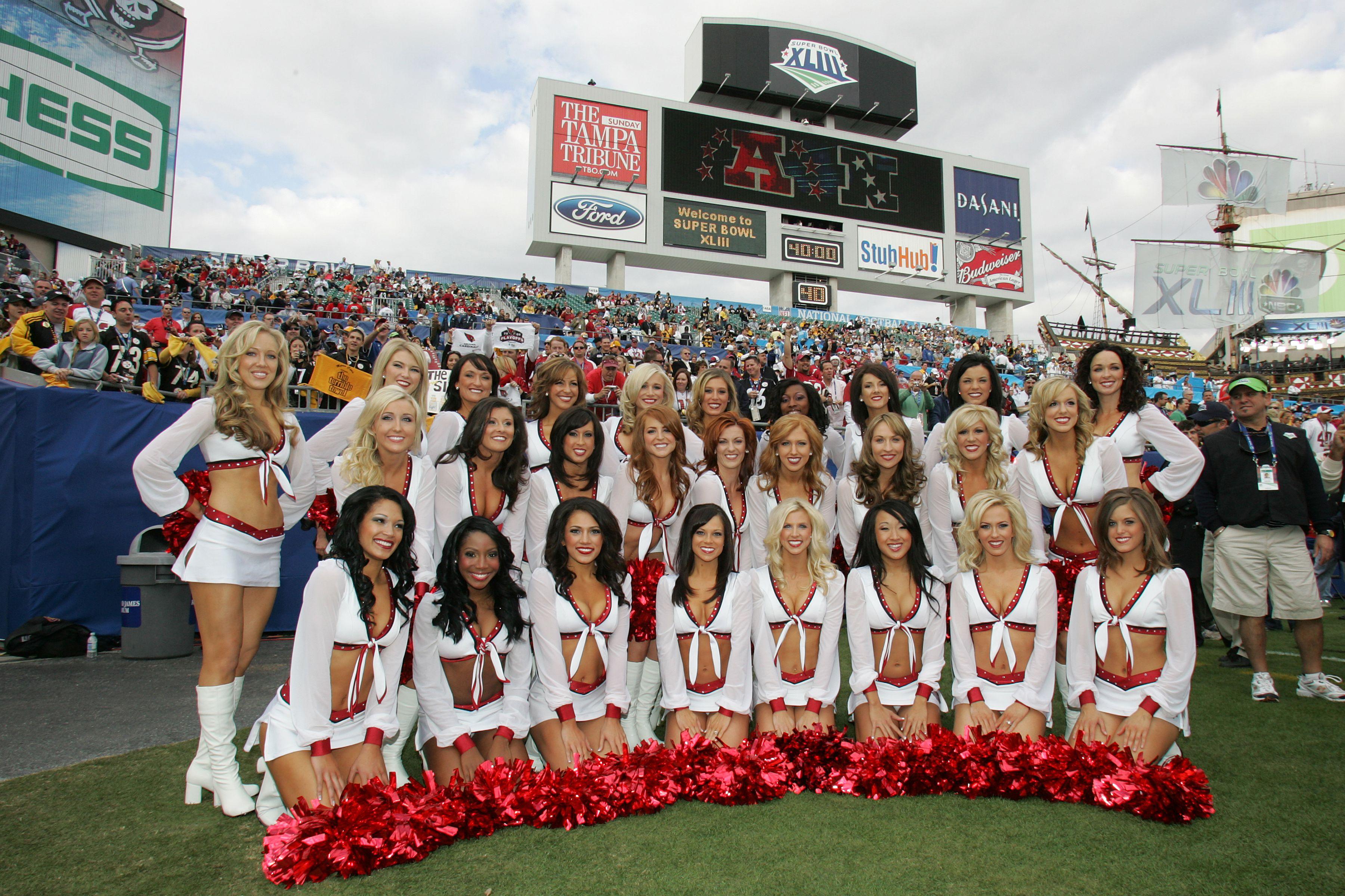 Throwback To The Arizona Cardinals Cheerleaders At Super Bowl Xliii Azcc Azcard Professional Cheerleaders Arizona Cardinals Cheerleaders Football Cheerleaders