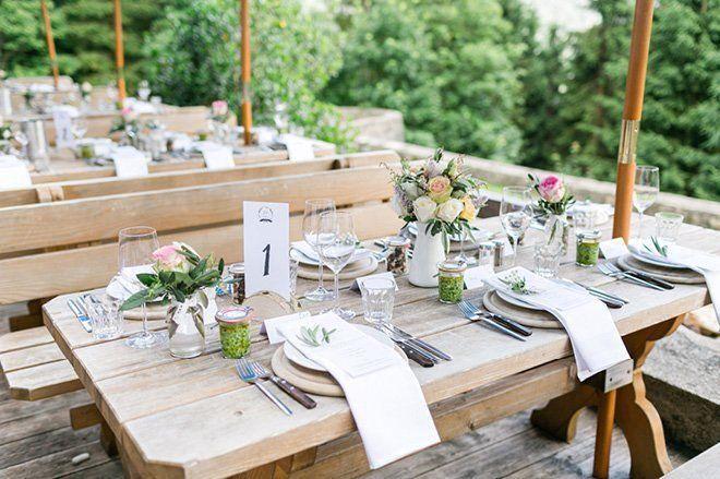 Super Susse Almhochzeit Von Susanne Wysocki Fotografie Fraulein K Sagt Ja Hochzeitsblog Super Susse Almhochzeit Von In 2020 Wedding Locations Real Weddings Wedding