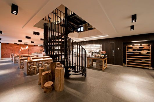 Coach House Restaurant. An Interior Design project by SHH Service in Hatfield (UK)