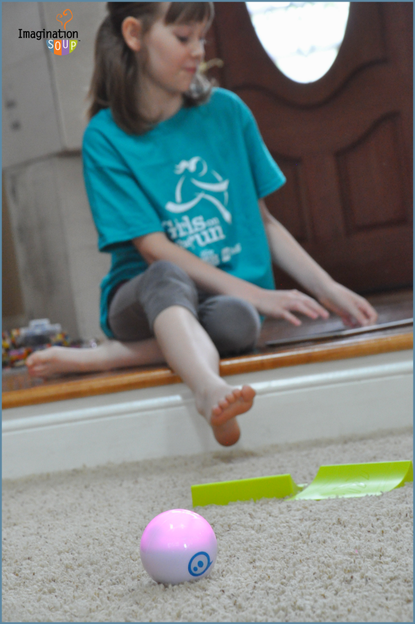 Sphero New Tech Toy for Summer Learning -- plus a giveaway! #techtoys