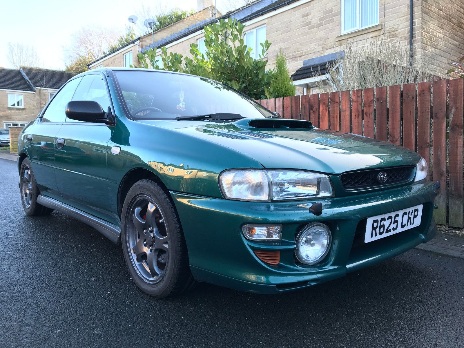 Looking For A 1998 R Subaru Impreza Uk 2000 Turbo Awd Saloon British Green Wrx Sti Rs Px Swap This One Is On Ebay Subaru Subaru Impreza Impreza