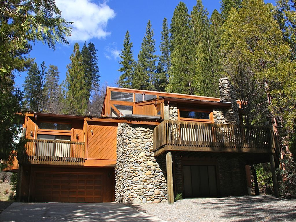 Yosemite National Park House Rental This Frank Lloyd Wright Inspired Home Is Located Inside