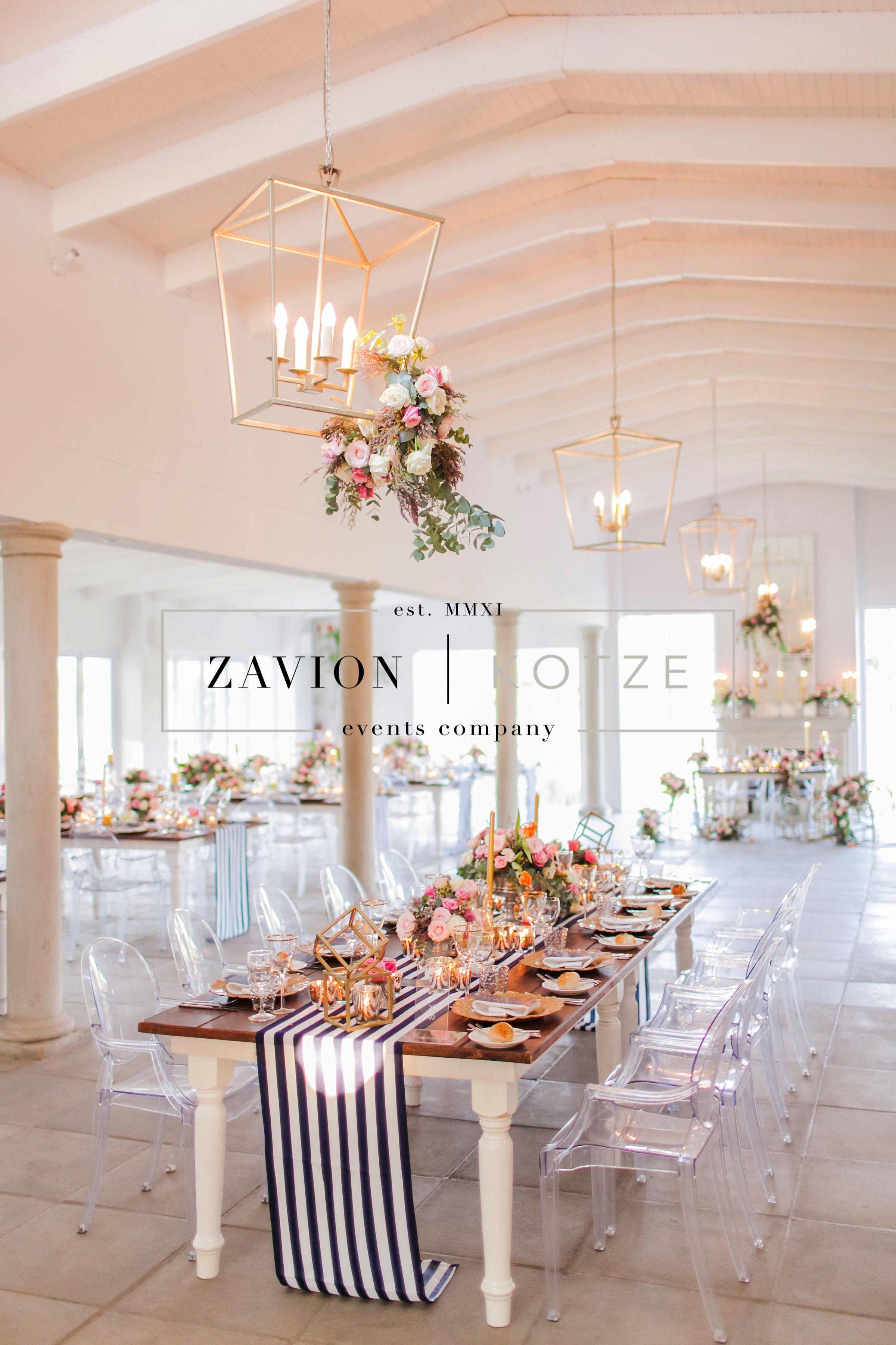 6cf510be0 Stunning wedding table, black, white, geometric, gold, roses, tulips ...