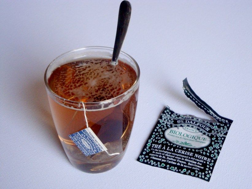 ST. DALFOUR REVIEW : the # Green Tea Cinnamon Apple and  the # Black Cherry Tea (more photos on the blog)