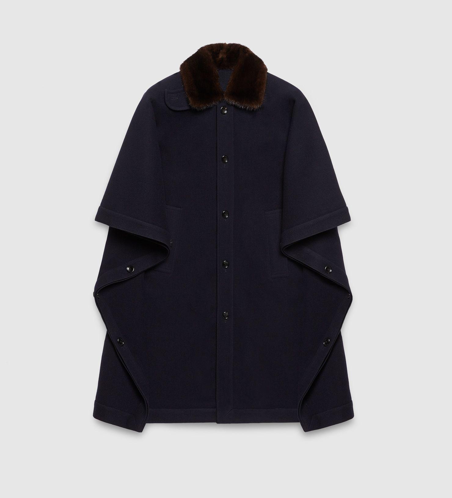 e4ede88c3 I need this Gucci cape!   Men's Autumn/Winter Fashion 2015 in 2019 ...
