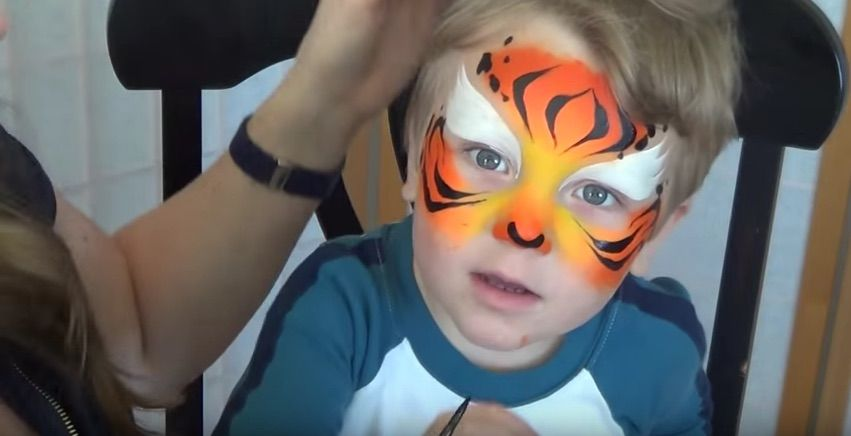 Quick And Easy Face Paint Tutorials For Kids This Halloween