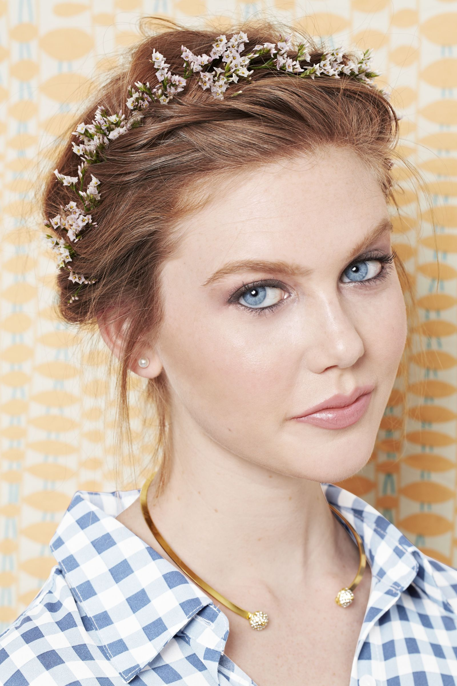29 stunning prom hairstyles you can actually diy pinterest twisted flower crown izmirmasajfo